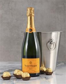 gifts: Veuve Clicquot Gift Hamper!