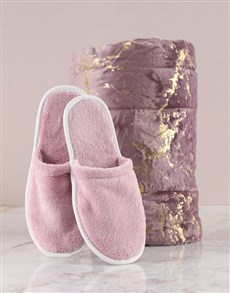 gifts: Pink Plush Throw And Slipper Set!