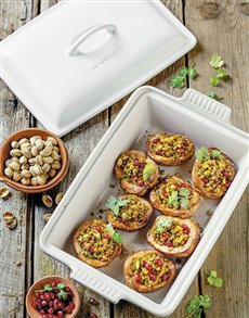 gifts: Cotton Le Creuset Baking Dish!