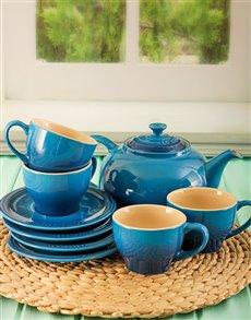 gifts: Le Creuset Marseille Classic Tea Set!