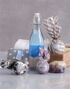gifts: Happiness is Bath Hamper !