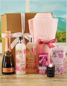 Gifts and Hampers - All Gifts: Baylis & Harding Pure Indulgence Bath Hamper !