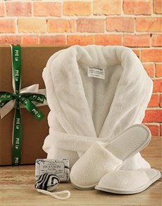 gifts: Spa Retreat Gift for Dad!