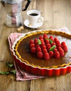 gifts: Le Creuset Fluted Flan Dish!