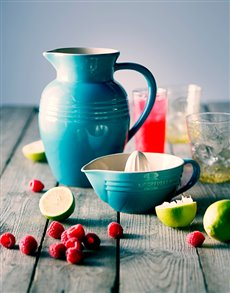 gifts: Le Creuset Jug and Juicer Combo!