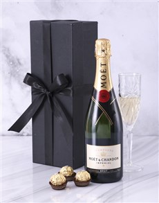 gifts: Black Box of Moet!