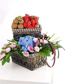 gifts: Super Fruit and Flowers Basket!