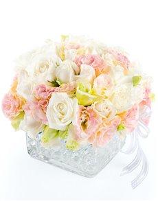 flowers: Flower Vase Cream Roses Mix!
