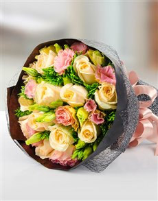flowers: Mixed Rose Hand Bouquet!