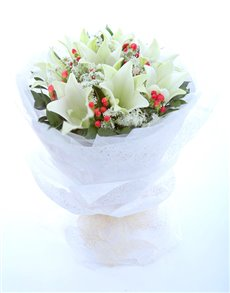 flowers: White Lilies Hand Bouquet!