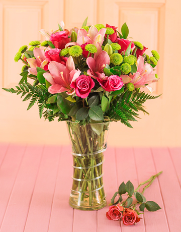 flowers: Pink Floral Mix in a Vase!
