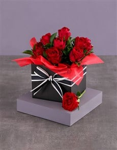 gifts: Striped Red Rose Box!