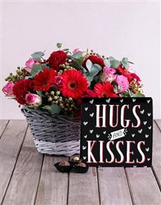 flowers: Hugs And Kisses Floral Hamper!