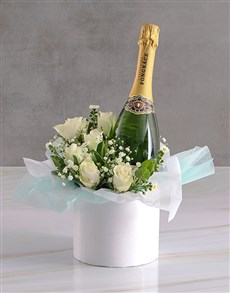 flowers: White Roses And Pongracz Classique!
