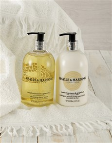 gifts: Baylis & Harding Be My Guest Gift Set!