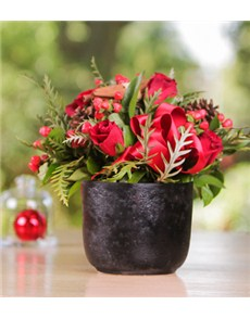 flowers: Christmas Flowers in a Chalk Vase!