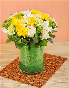flowers: White and Yellow Vase !