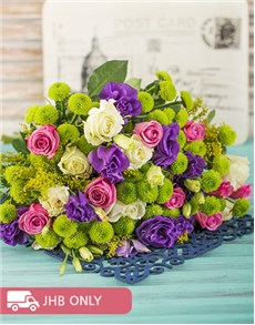 flowers: Vibrant Rose Bouquet!