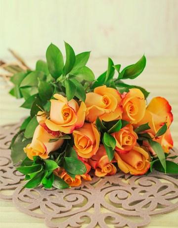 Buy Kenyan Premium Pebbles Rose Bouquet Online - NetFlorist