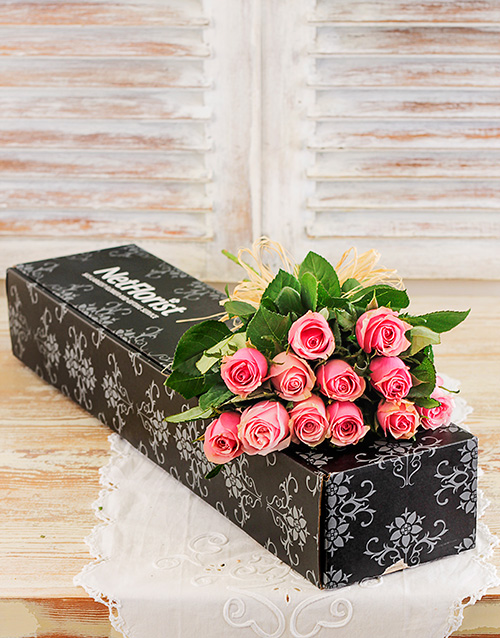 roses: Pink Roses in a Box!