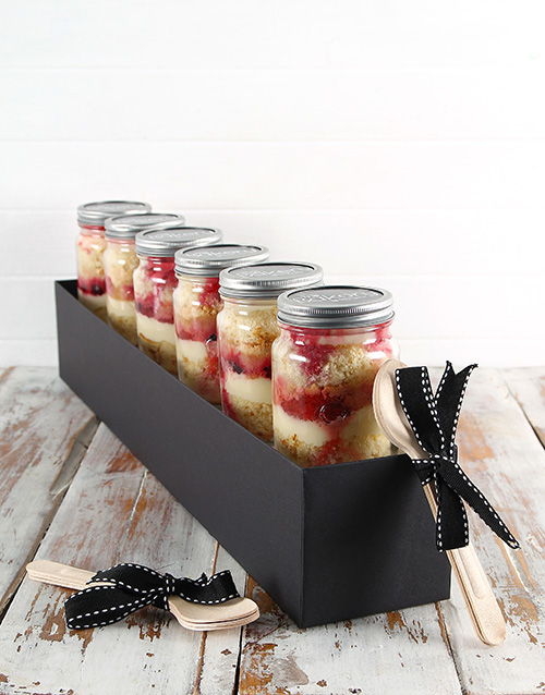 bakery: 6 Summer Berry Cheesecake Cupcakes in a Jar!
