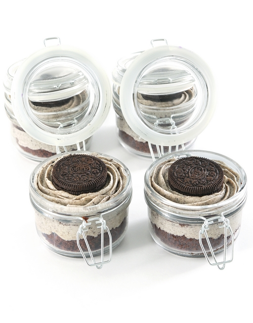 bakery: Cookies and Cream Cupcake Jars!