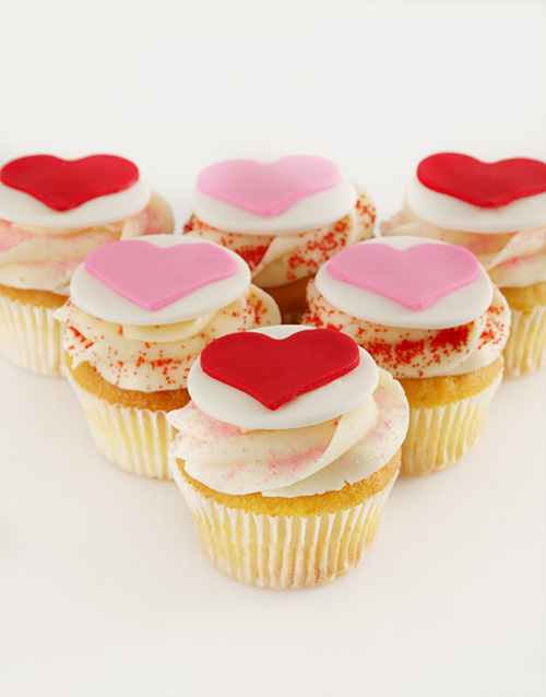 bakery: Vanilla Valentines Cupcakes!