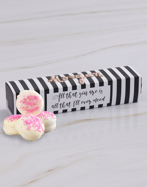 bakery: Personalised White Chocolate Dipped Macaroons!