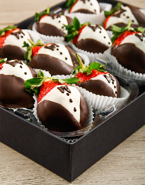 dipped-strawberries: White and Dark Chocolate Dipped Strawberry Tuxedos!