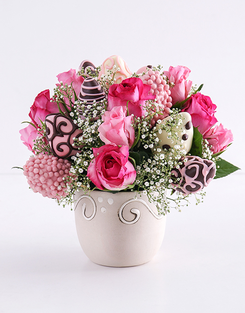dipped-strawberries: Popping Pink Strawberry and Rose Bouquet!
