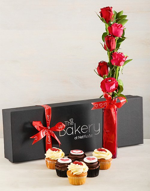 gifts: Kissable Cupcakes and Roses!
