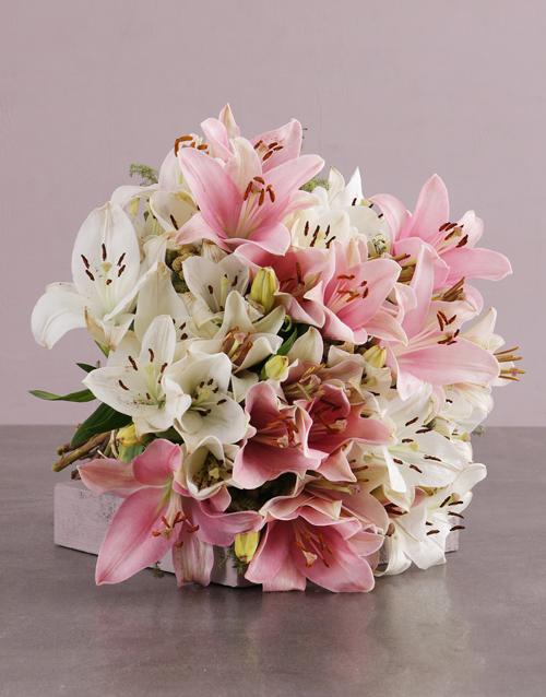 colour: Peaceful Pastels Lily Bouquet!