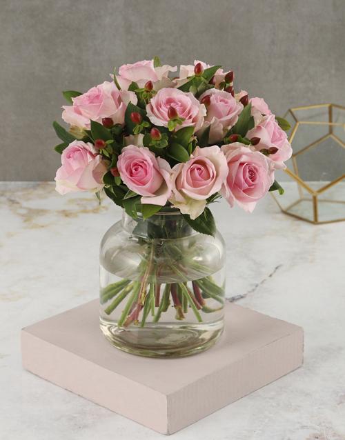 colour: Peaceful Pink Roses Arrangement!