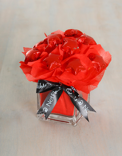 flowers: Crimson Edible Arrangement!