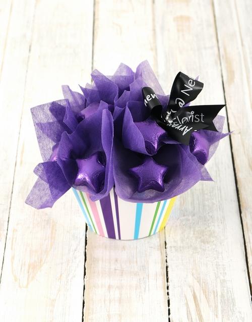 edible-chocolate-arrangements: Purple Star Cupcake Arrangement!