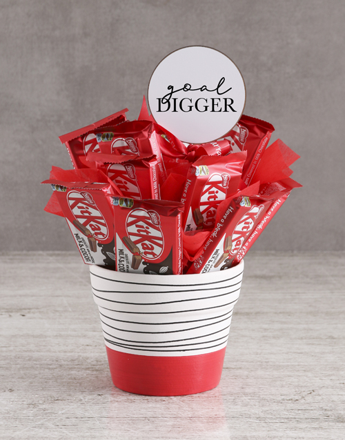 edible-chocolate-arrangements: Goal Digger KitKat Arrangement!