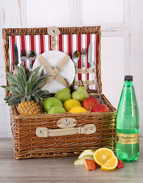 gourmet: Fruit and Appletiser Picnic Basket!