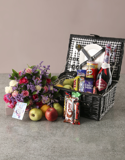 gourmet: Traditional Fruit Picnic Basket and Bouquet!