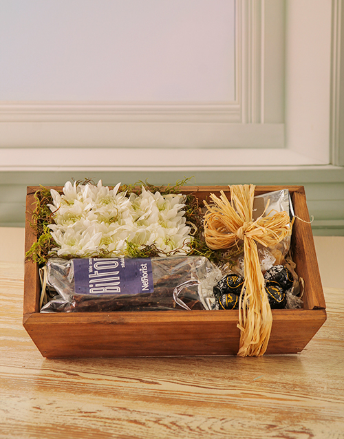 chocolate: Floral and Snack Hamper!