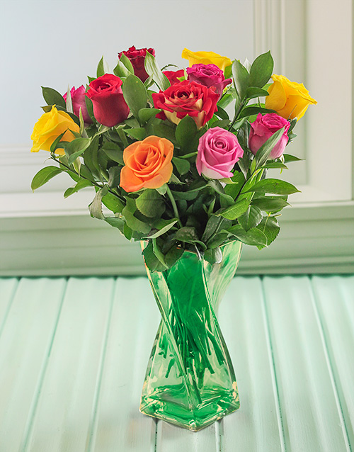 coloured-vases: Mixed Roses in a Green Twisty Vase!