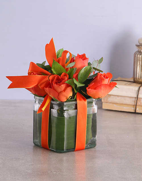 halloween: Orange Roses in a Square Vase!