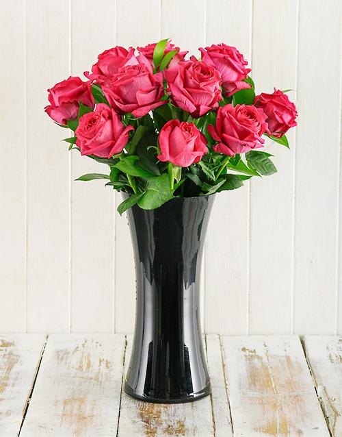 roses: Cerise Roses in Black Vase!