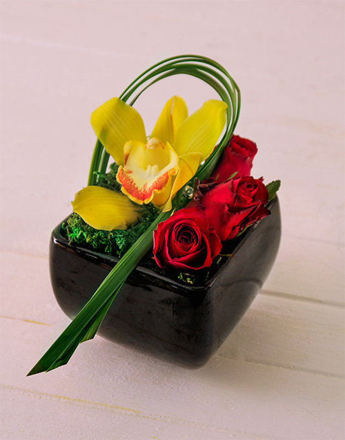 orchids: Orchid & Rose in Black Vase!