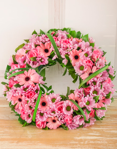 colour: Pink Sprays, Roses and Gerberas Wreath!