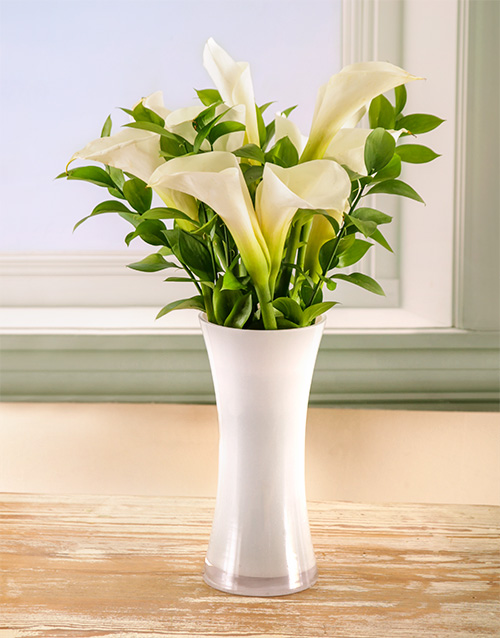 bosses-day: Timeless Elegance Arum Lily Arrangement!