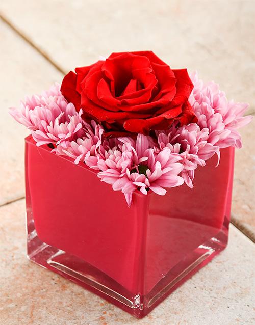colour: Pink Heart Delight Rose Vase!