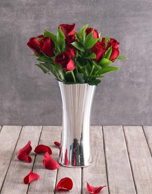 coloured-vases: Red Romance Rose Arrangement!