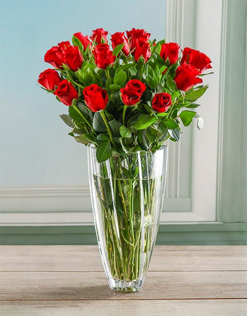 roses: Ruby Red Rose Crystal Vase!