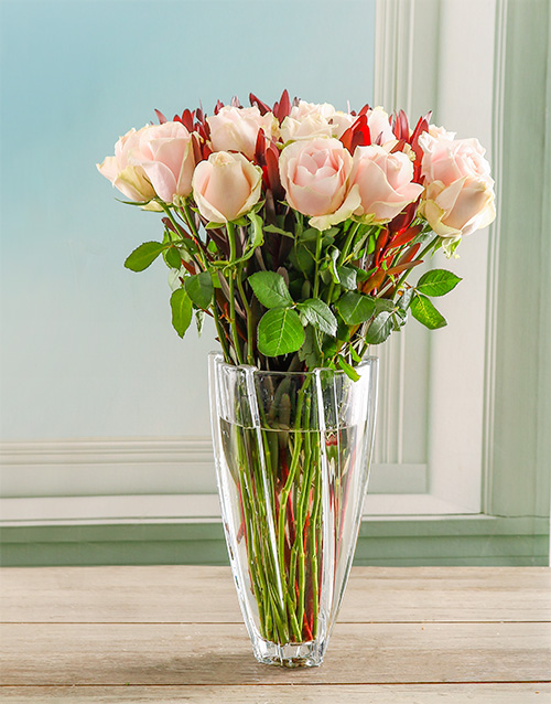 colour: Pink Delight Rose Crystal Vase!