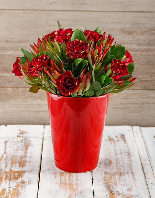 flowers: Fantasy Abracadabra Rose Arrangement !